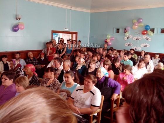 Село Новое Ильинское (Курганская область) - 005 - Жители села на праздничном вечере