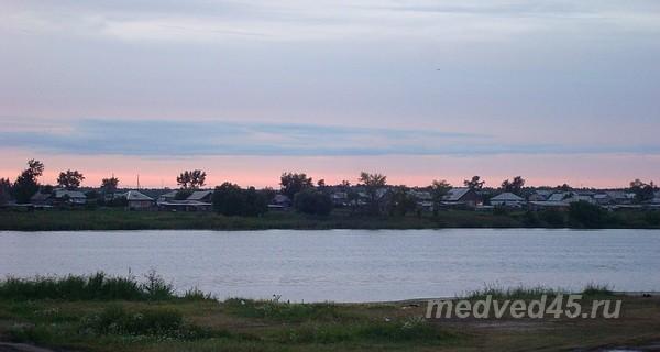 Где остановиться, как снять жилье  на Медвежьем озере в Курганской области - село Новое Ильинское